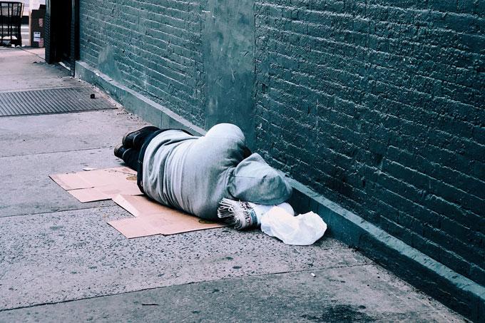 prohibicio-dormir-al-carrer