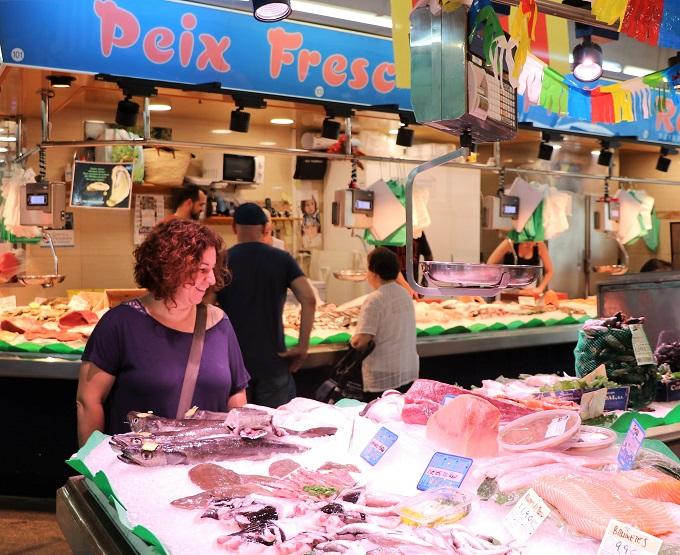 mercat_aliments_no_malgastar_caritas_barcelona