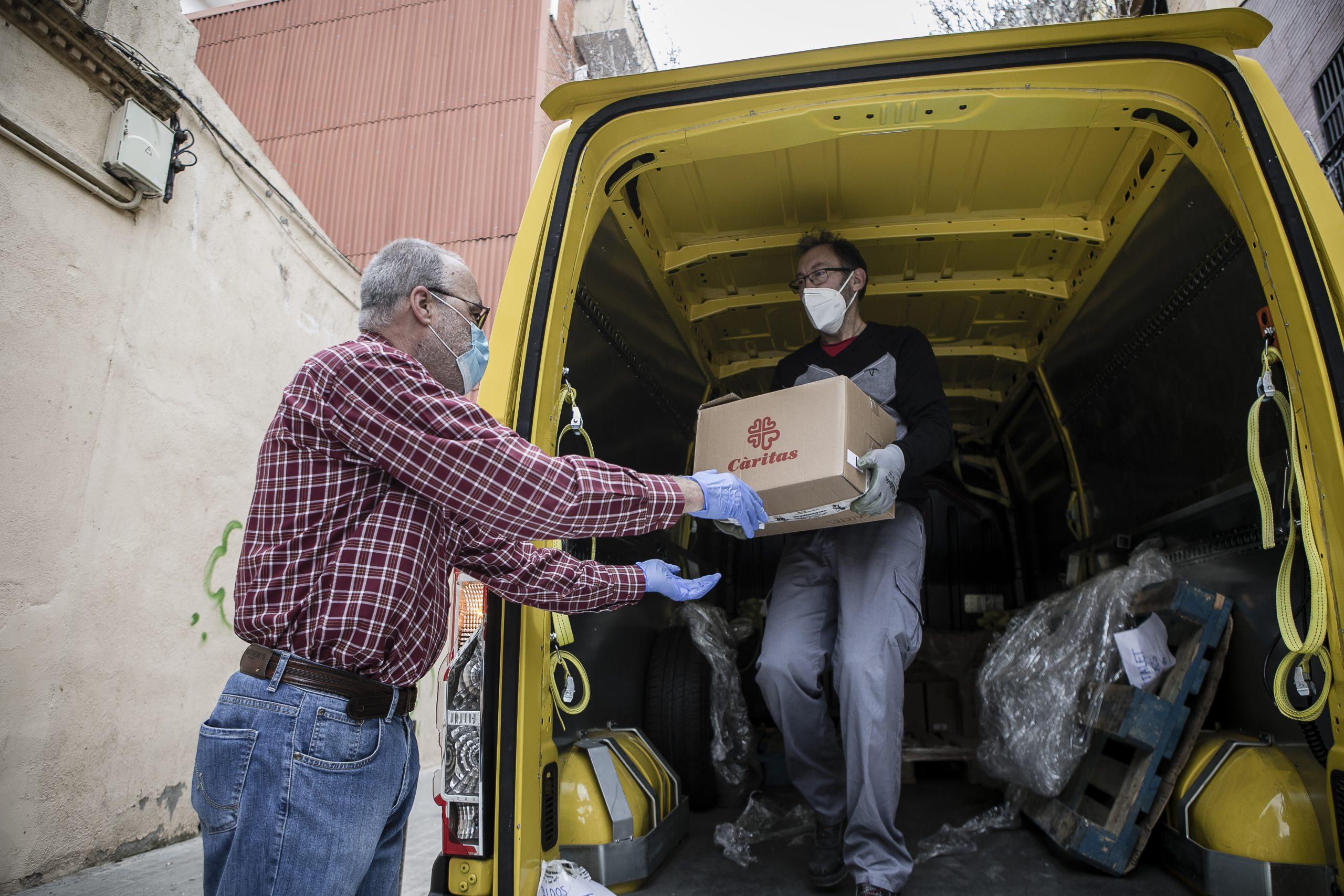 Los servicios de emergencia social de Cáritas Barcelona atienden a más de 3.000 hogares durante el mes de abril, el doble que el año anterior